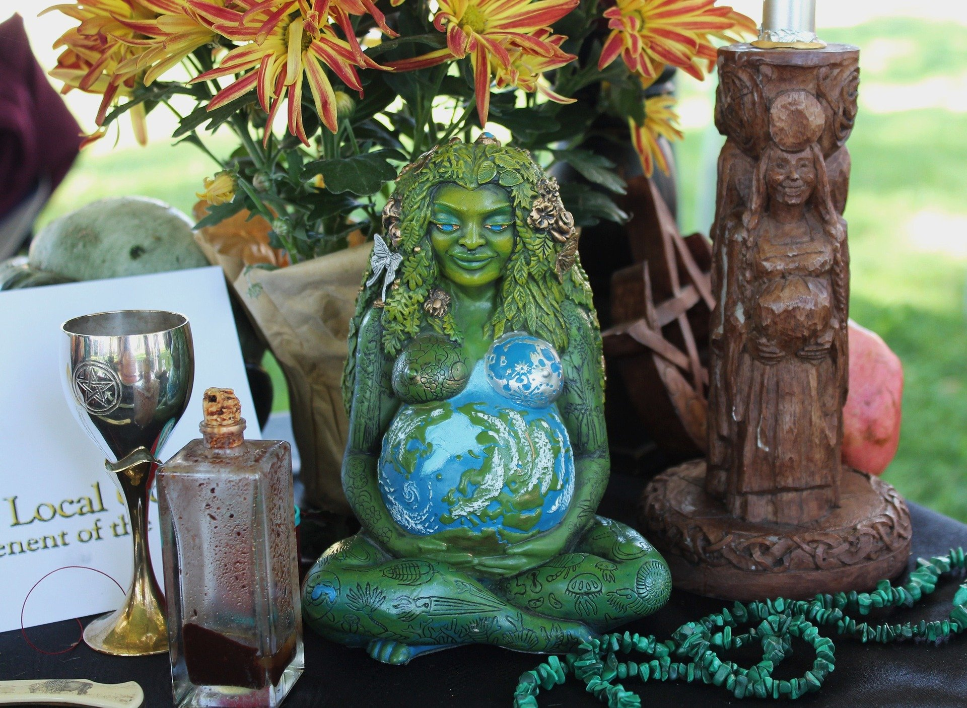How to Find Your Goddess Wiccan Pagan Altar